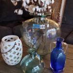 Lot 103: Vases