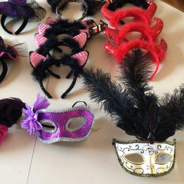 Photo of Lot of 20 Feather headbands/masks Mardi Gras, Carnival, home decor