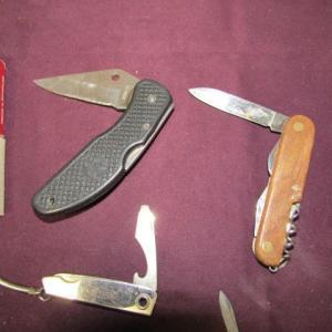 Photo of LOT 556  POCKET KNIVES