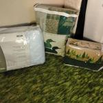 LOT 501  FULL SIZE QUILT AND SHEETS