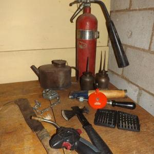 Photo of LOT 535   MOSTLY VINTAGE TOOLS