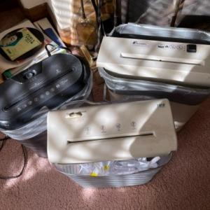 Photo of Lot 25. 3 portable electronic paper shredders--$15