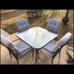 Lot OS 4: Patio Table and Chairs