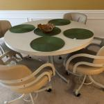 KITCHEN SET - table and chairs