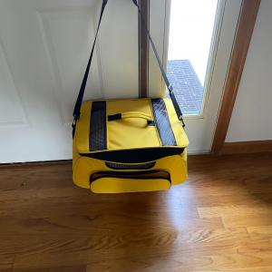 Photo of Pet carriers Travel bag with strap and Hard plastic crate w pad