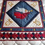 LOT 190  ANGEL QUILTED THROW CRIB BLANKET WALL HANGING