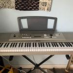 Yamaha Keyboard YPG-235