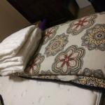 Like New/Very Clean! Queen Matress/Frame/Bed Set!
