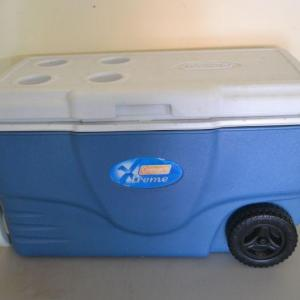 Photo of LOT 358 COLEMAN ICE CHEST