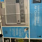 10,000 BTU window air conditioner  10 volts  Like new condition