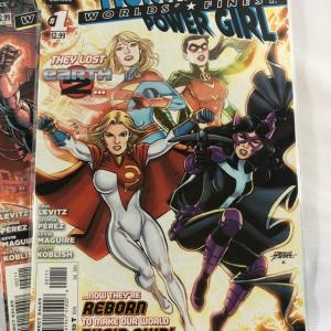 Photo of DC Comics - The New 52! - Worlds' Finest (Huntress & Power Girl)