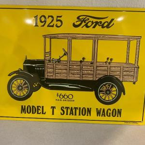 "Photo of Modern Ford 1925 model ""T"" metal tin"