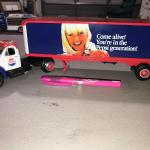 First Gear 1960 Mack B-61 Tractor Trailer Pepsi Cola Semi Truck 1:34 Diecast (it
