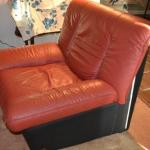 LOT 385 WILMA SALOTTI OVER SIZED LEATHER CHAIR