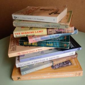 Photo of Lot 81 Misc. Vintage Books
