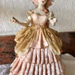 Vintage Victorian Lady Porcelain Figurine YD#022-0157