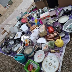 Photo of Huge Hoarder's Moving Sale