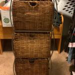 Storage shelf w/baskets