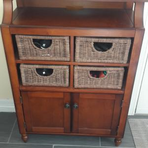 Photo of Entry way table with baskets