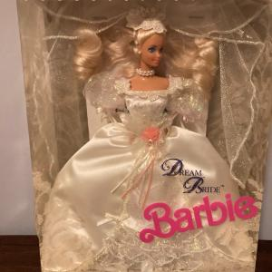 Photo of 1991 Barbie DREAM BRIDE WEDDING ROMANCE IN SATIN & LACE #1623