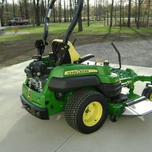 Photo of JD Z830A  zero turn lawnmower