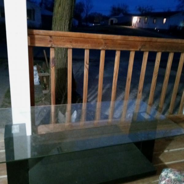 Photo of Nice glass coffee table in good shape