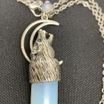 Wolf sprit with moonstone