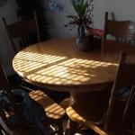Round  dinner table and 4 chair