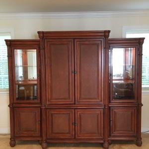 Photo of Entertainment center/wall unit