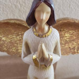 Photo of Rare Tii Collections Resin Angel Figurine w/Praying Hands