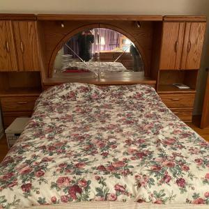 Photo of Queen bed room set