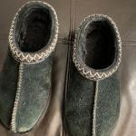 Girl's Ugg slippers