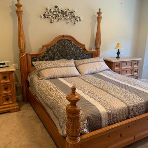 Photo of Thomasville king bedroom set