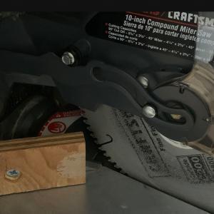 Photo of Craftsman 10 Inch Compound Miter Saw