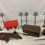 Lot 175: Train Accessories
