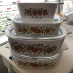 4 Pyrex Baking Dishes - Missing one lid - Top Dish