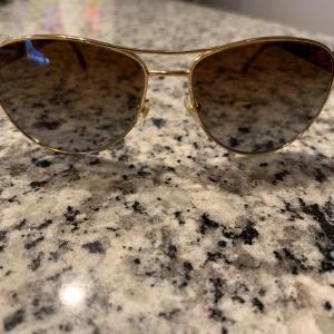 Photo of Versace tortoise shell frame polorized sunglasses