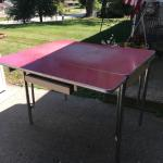 1940s-50s KITCHEN TABLE W/DROP DOWN SIDES