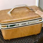 Lot 216  Vintage Samsonite Train Case Vanity