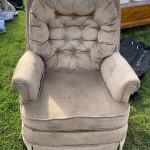 Lazy-Boy Swivel Chair
