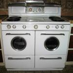 Vintage 1950's Western-Holly Stove w/ Double Port Hole Window Oven Doors