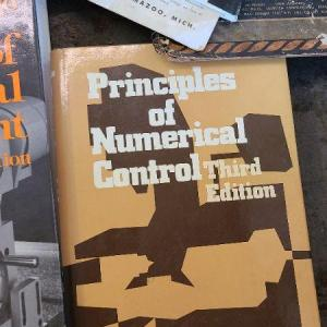 Photo of Lot 71: Machinists Books & Brochures