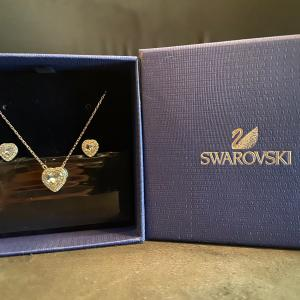 Photo of Swarovski Necklace and Earrings set