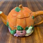 I6 - Ceramic Pumpkin Tea Pot