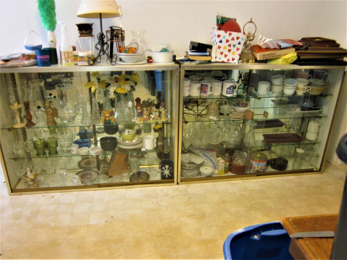 Photo 2 of 2 Mirrored Back, Sliding Glass Door, Glass Shelves DISPLAY Case PICK UP