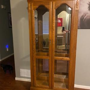 Photo of Hutch/Curio Cabinet