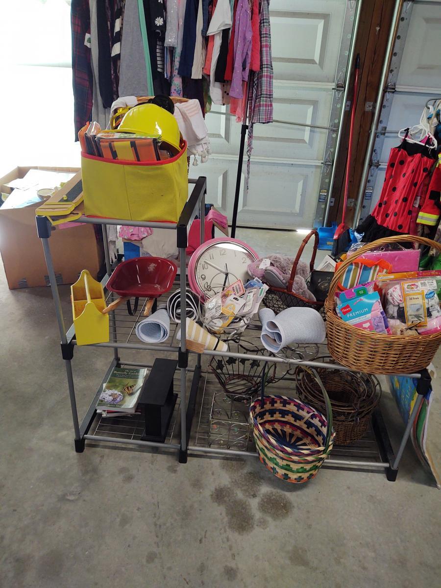 Photo 3 of Garage sale