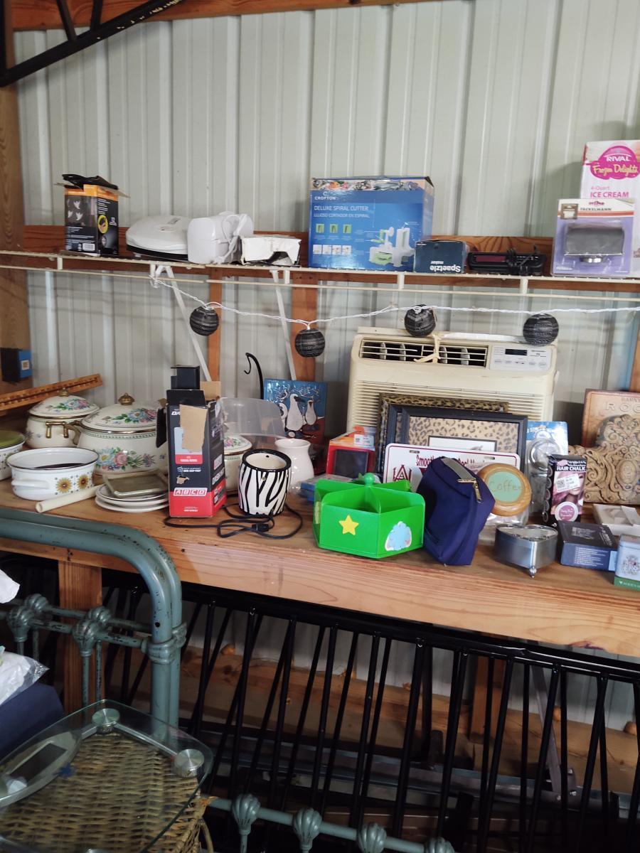 Photo 10 of Garage sale