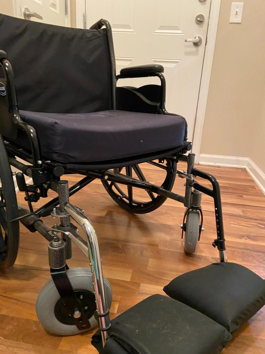 Photo 3 of Invacare SRX 5 wheelchair