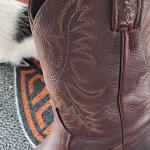 Mens boots..like new